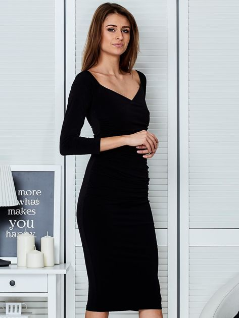 Czarna dopasowana sukienka                               zdj.                              5