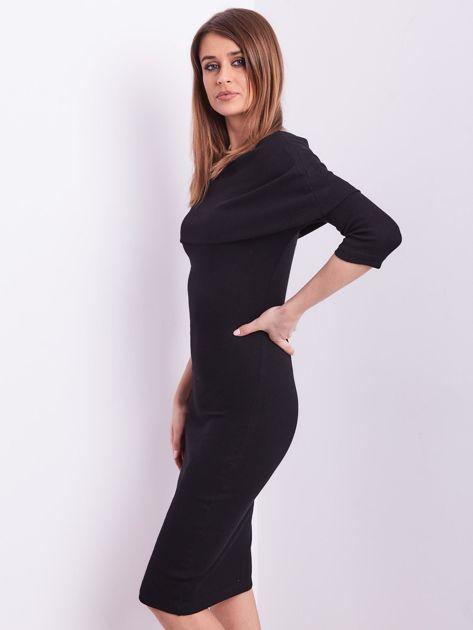 Czarna dopasowana sukienka z odkrytymi ramionami                              zdj.                              4