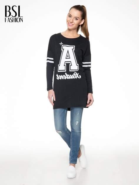 Czarna dresowa bluza z literą A w stylu baseballowym