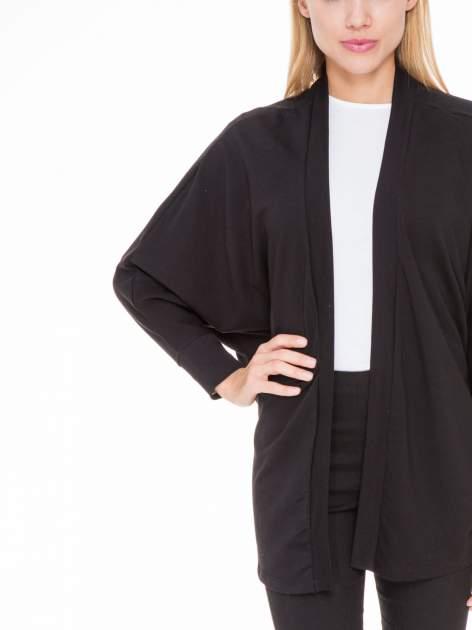 Czarna dresowa otwarta bluza z nietoperzowymi rękawami                                  zdj.                                  6