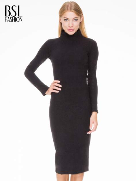 Czarna dzianinowa sukienka tuba z golfem                                  zdj.                                  1