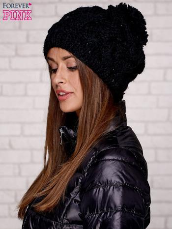 Czarna dziergana czapka z pomponem                                   zdj.                                  1