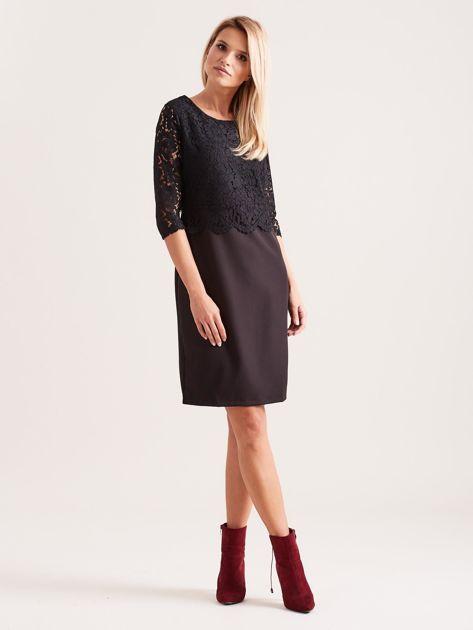 Czarna elegancka sukienka z koronką                              zdj.                              4