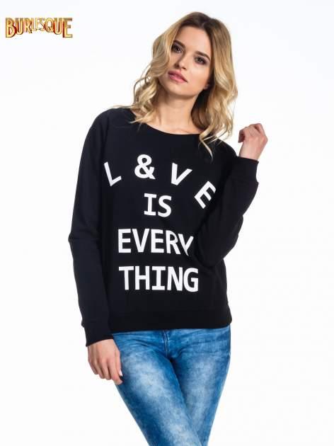 Czarna klasyczna damska bluza z napisem LOVE IS EVERYTHING                                  zdj.                                  1
