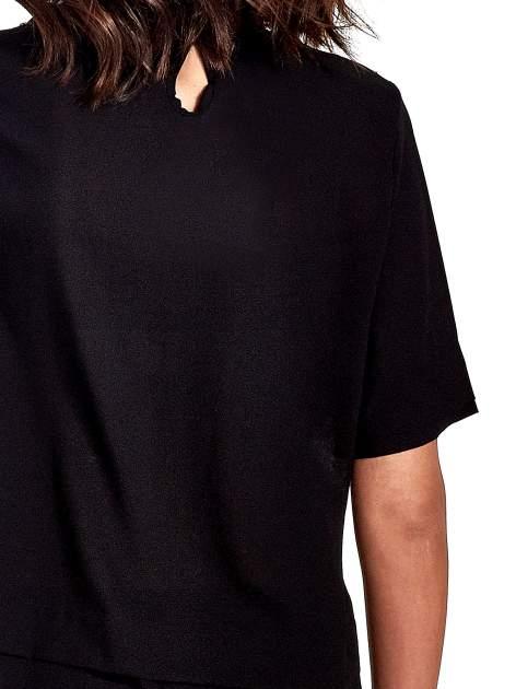 Czarna koszula dwuwarstwowa z biżuteryjnym dekoltem                                  zdj.                                  5