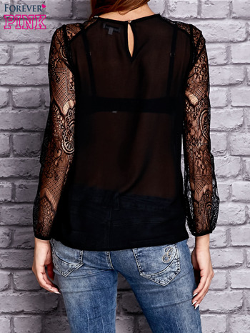 Czarna koszula mgiełka z koronkowymi rękawami                                   zdj.                                  2