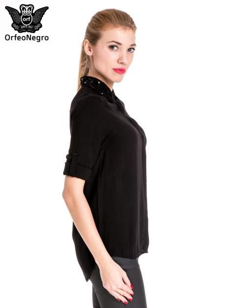 Czarna koszula z biżuteryjnym kołnierzykiem                                  zdj.                                  5