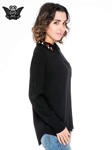 Czarna koszula z kołnierzykiem zdobionym kamieniami                                  zdj.                                  3