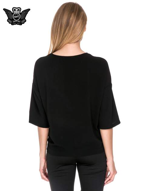 Czarna koszula z obniżoną linią ramion i kieszonką                                  zdj.                                  2