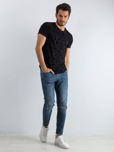 Czarna koszulka męska we wzory                              zdj.                              5
