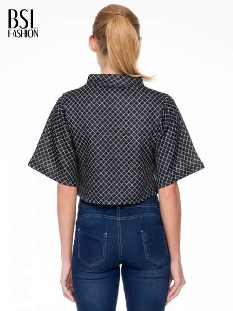 Czarna kraciasta bluzka z kloszowanymi rękawami i półgolfem                                  zdj.                                  4