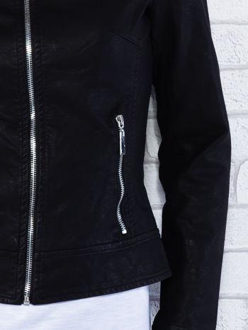 Czarna kurtka ramoneska ze stójką na zatrzask                                  zdj.                                  5