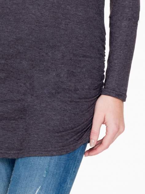 Czarna melanżowa bluzka tunika z marszczonym dołem                                  zdj.                                  6