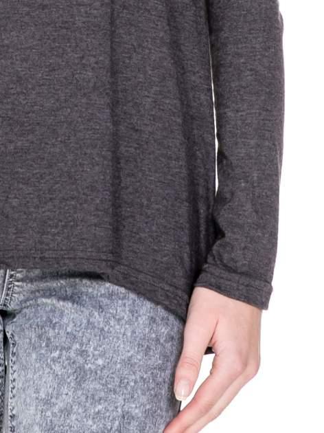 Czarna melanżowa bluzka z dłuższym tyłem                                  zdj.                                  6