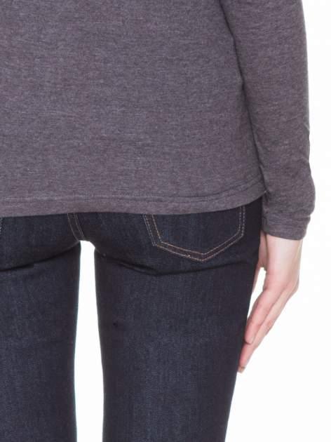 Czarna melanżowa gładka bluzka z reglanowymi rękawami                                  zdj.                                  7