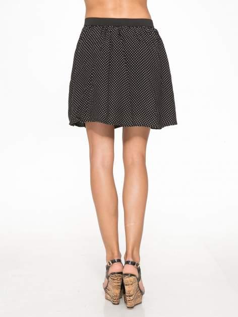 Czarna mini spódnica w kropki                                  zdj.                                  4