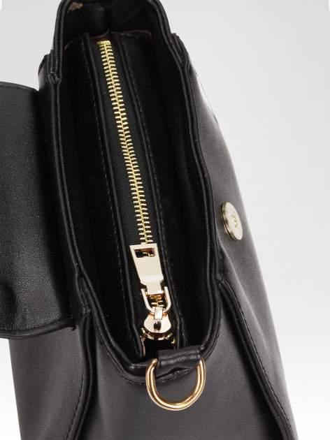 Czarna mini torebka kuferek z marszczoną rączką                                  zdj.                                  6