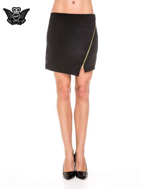 Czarna minispódnica z asymetrycznym suwakiem