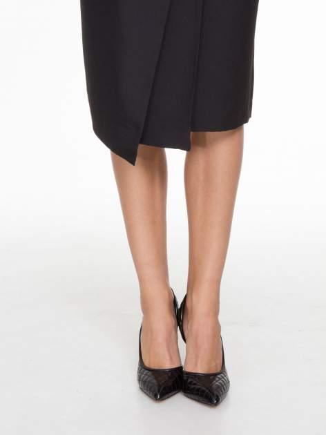 Czarna ołówkowa spódnica z zakładkami i skórzanym pasem                                  zdj.                                  6