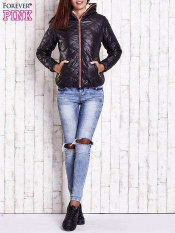 Czarna pikowana kurtka z futrzanym ociepleniem                                   zdj.                                  7