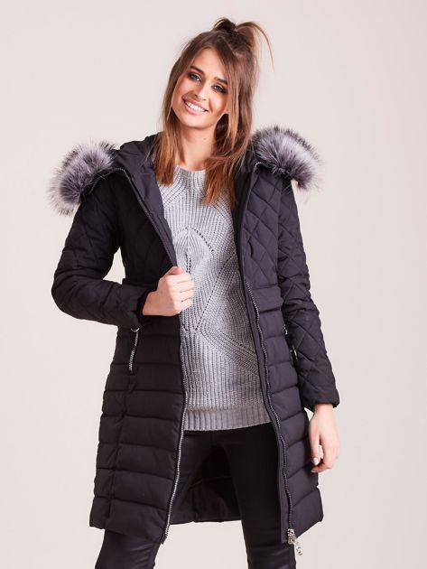 Czarna pikowana kurtka zimowa                              zdj.                              6