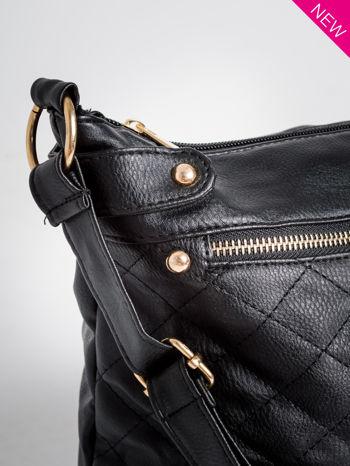 Czarna pikowana torebka na ramię                                  zdj.                                  2