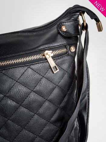 Czarna pikowana torebka na ramię                                  zdj.                                  3