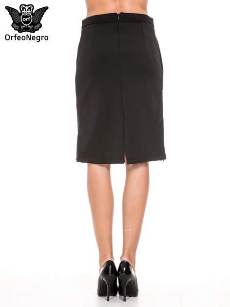 Czarna prosta spódnica z zamkiem z boku                                  zdj.                                  4