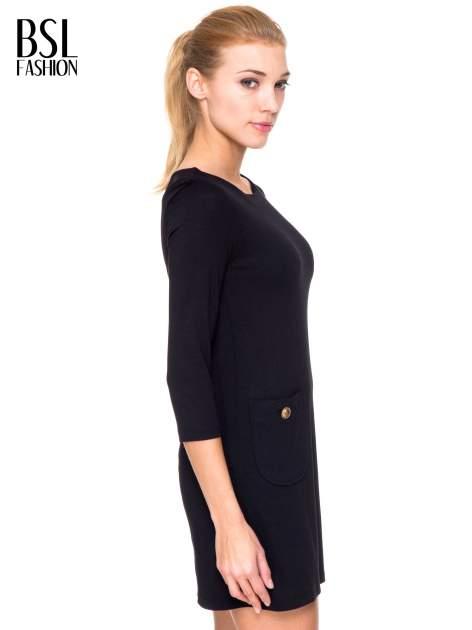 Czarna prosta sukienka z kieszonkami i suwakiem z tyłu                                  zdj.                                  3