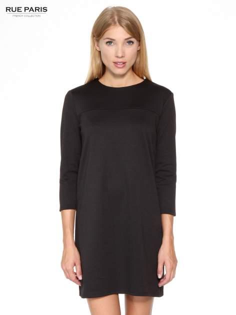 Czarna prosta sukienka z rękawami 3/4                                  zdj.                                  1