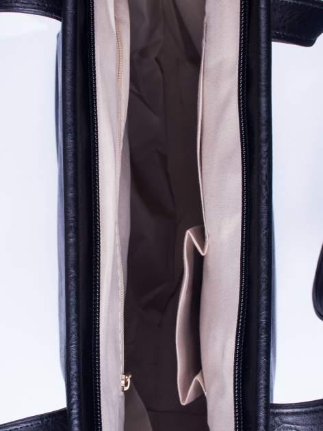 Czarna prosta torba shopper bag ze złotymi okuciami                                  zdj.                                  4