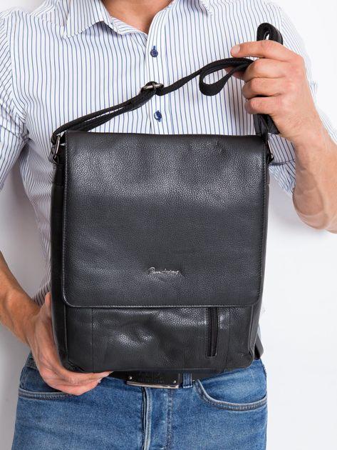 Czarna skórzana męska torba z klapką                              zdj.                              1