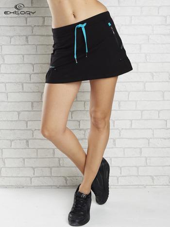 Czarna spódnica dresowa z falbanką i troczkiem                                  zdj.                                  1