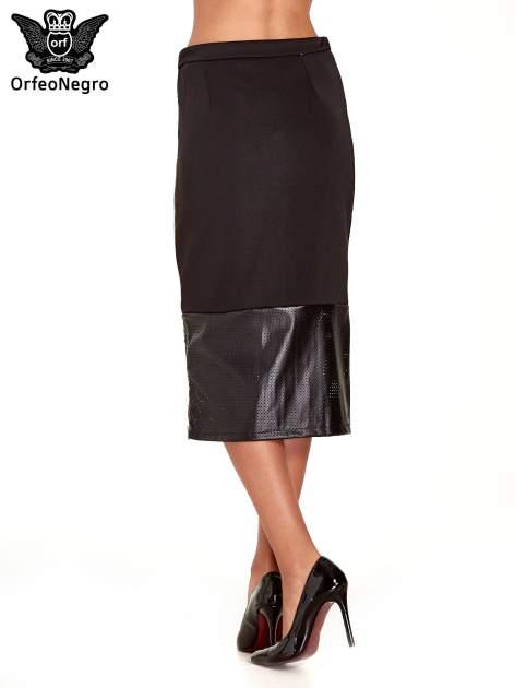 Czarna spódnica midi z siatkowym modułem                                  zdj.                                  4