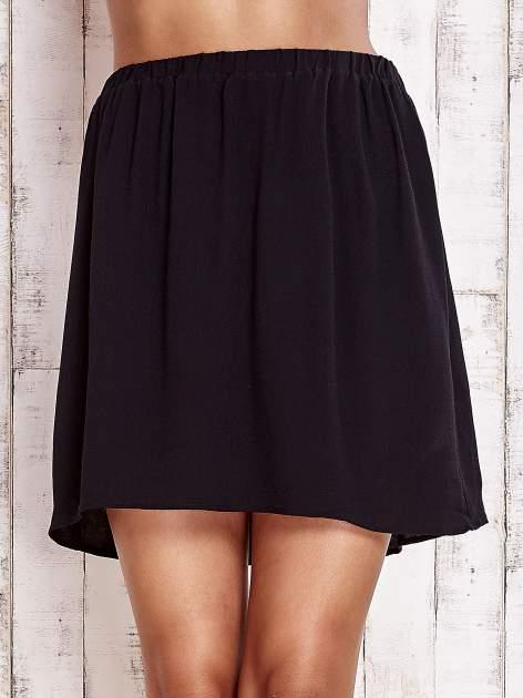 Czarna spódnica na gumkę