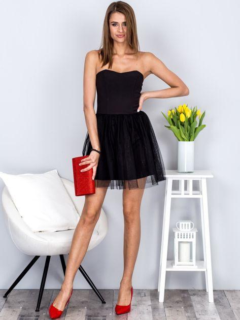 Czarna sukienka bez ramiączek z tiulem                              zdj.                              4