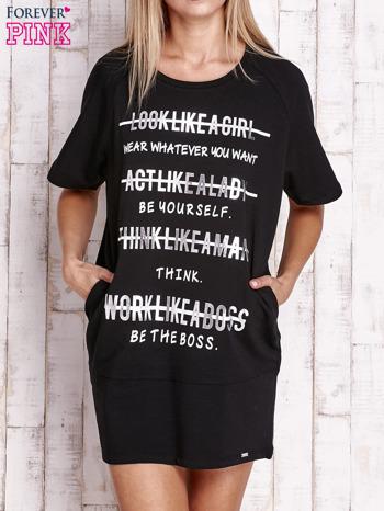 Czarna sukienka dresowa z silver printem                                  zdj.                                  1