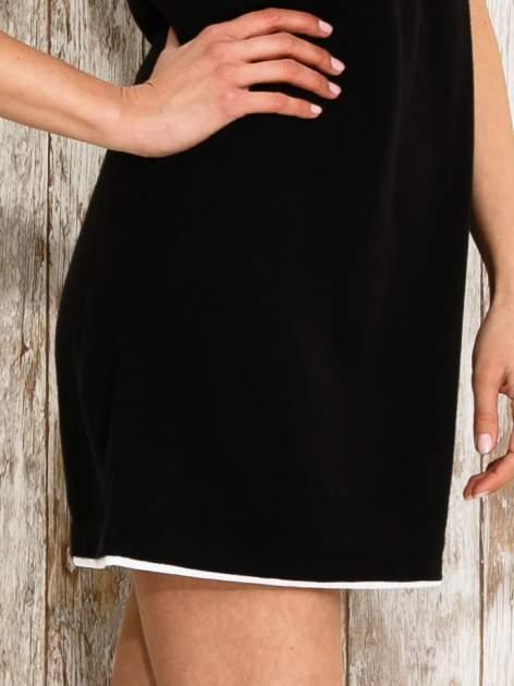 Czarna sukienka na szerokich ramiączkach                                  zdj.                                  6