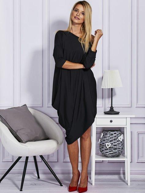 Czarna sukienka oversize                               zdj.                              4
