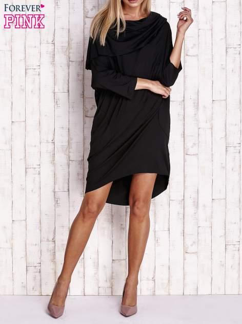 Czarna sukienka oversize z wywijanym kołnierzem                                  zdj.                                  2
