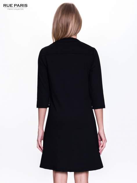 Czarna sukienka retro z półgolfem                                  zdj.                                  2