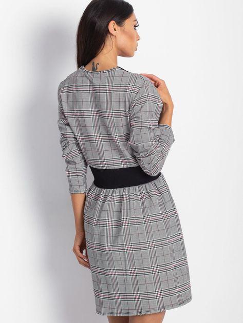 Czarna sukienka w kratę z dekoltem V-neck                                  zdj.                                  4