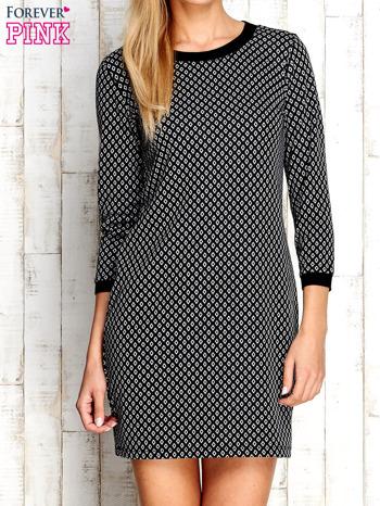 Czarna sukienka we wzór rombów                                  zdj.                                  1