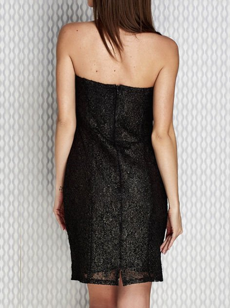 Czarna sukienka wieczorowa z błyszczącą nitką                              zdj.                              2