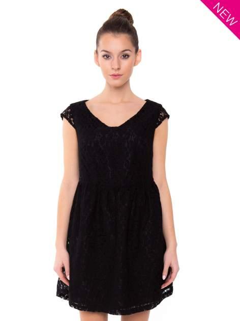 Czarna sukienka wieczorowa z koronką                                  zdj.                                  2