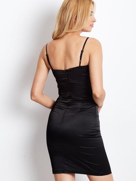 Czarna sukienka z błyszczącą aplikacją                              zdj.                              5