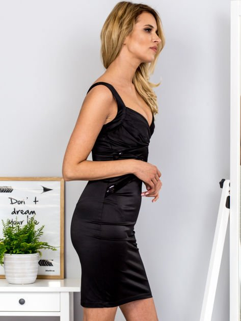 Czarna sukienka z cekinowymi wstawkami                              zdj.                              5