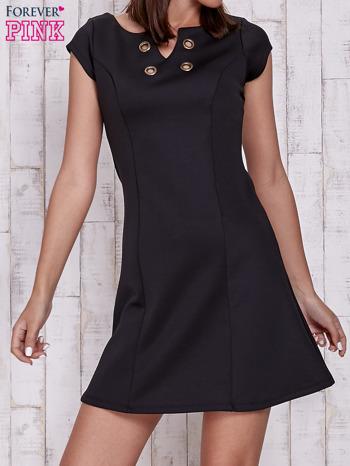 Czarna sukienka z dekoltem cut out                                  zdj.                                  1