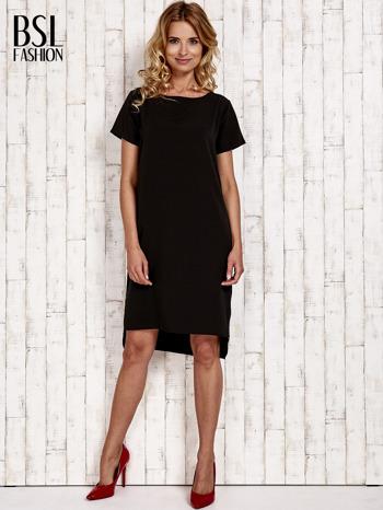 Czarna sukienka z dłuższym tyłem                                  zdj.                                  2