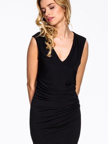 Czarna sukienka z drapowaniem                                  zdj.                                  5